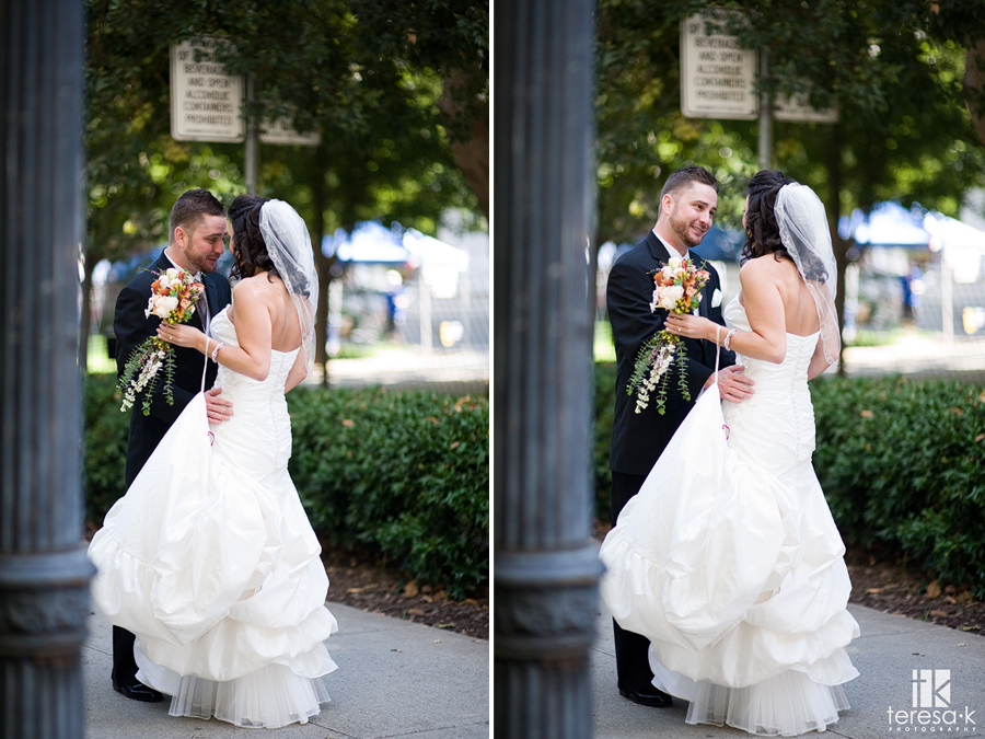 First look wedding pictures in downtown Sacramento by Sacramento Wedding photographer Teresa K