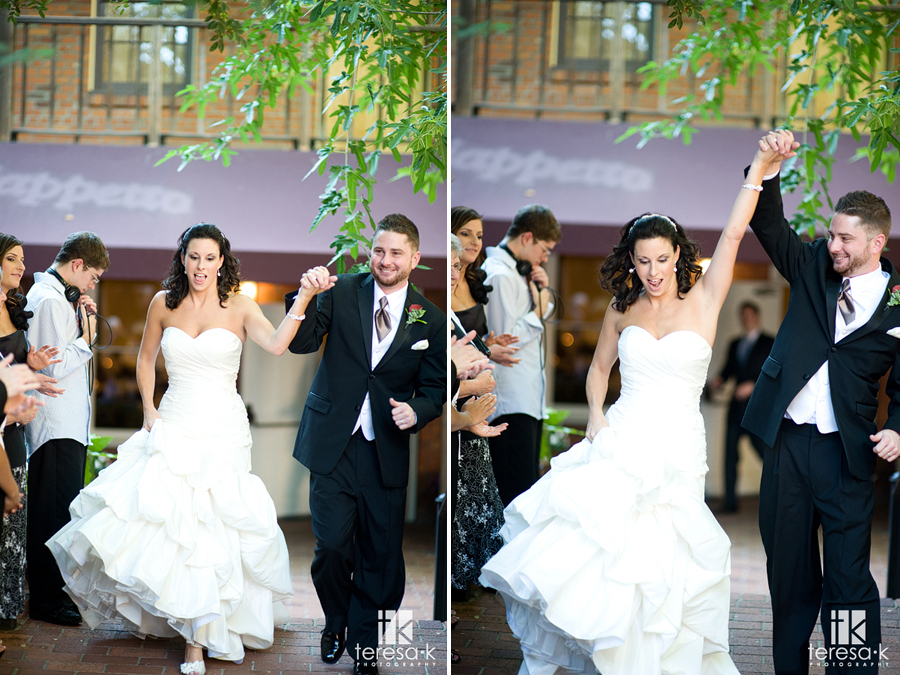 Courtyard D'Oro reception in downtown Sacramento by wedding photographer Teresa K