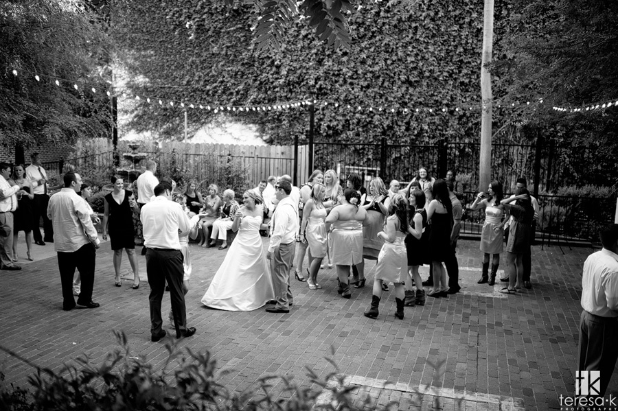 courtyard d'Oro wedding and reception