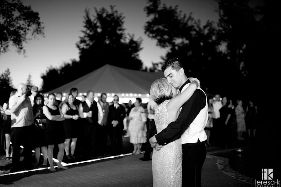 best dancing shots from wedding