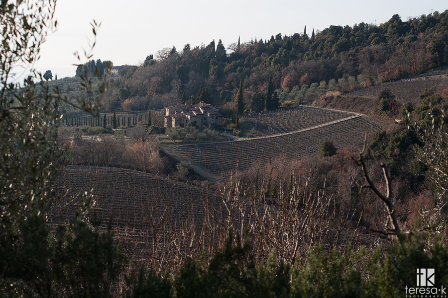a house on the Tuscan hillside