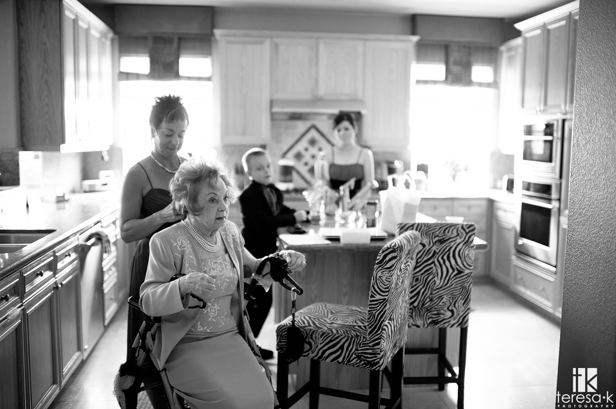 bride's grandmother getting ready in Folsom