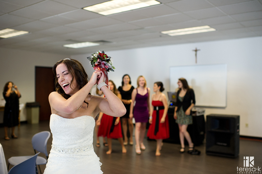 bride tosses the bouquet in Folsom