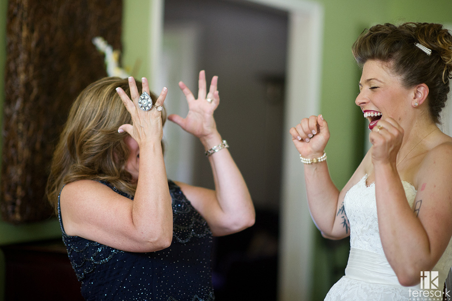 fun reaction from Mom to bride