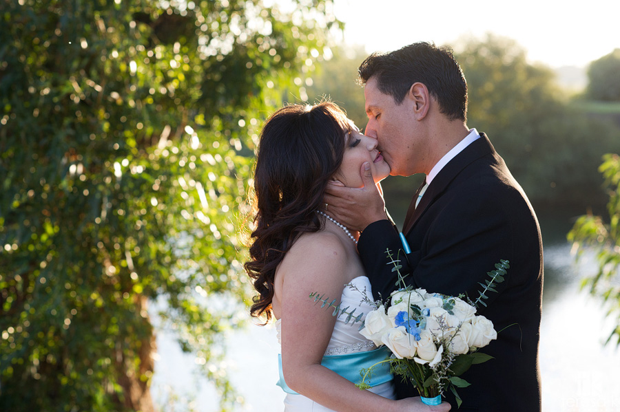 bride and groom at the grand island mansion