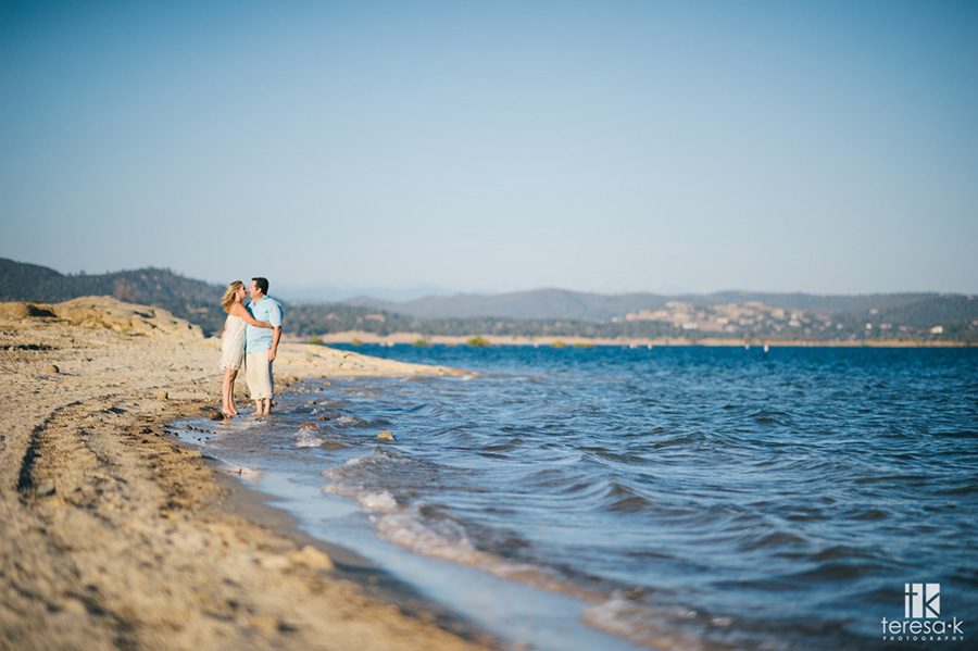 romantic engagement session at folsom lake by Teresa K photography 014