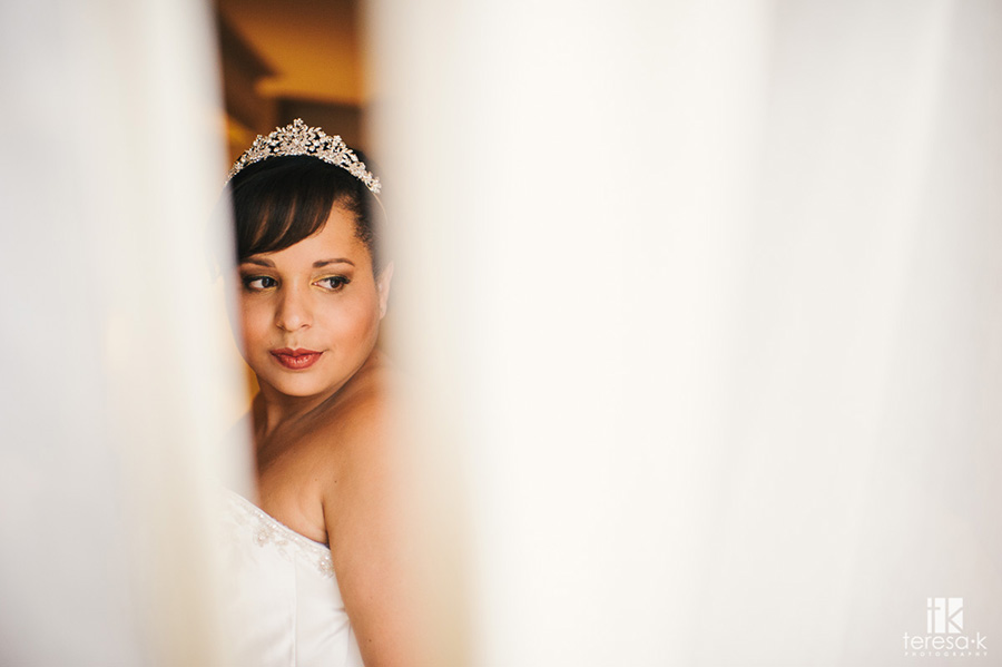 bridal portrait at the doubletree in sacramento