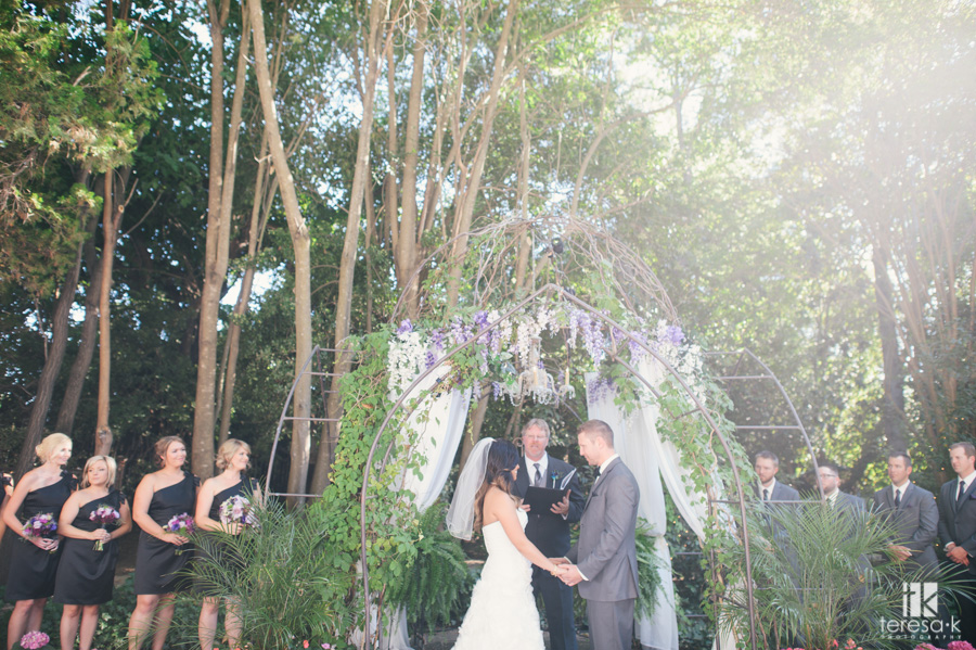 outdoor ceremony at the heirloom inn