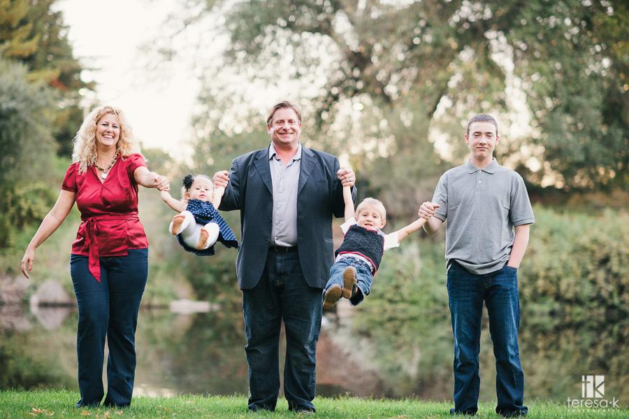 Family photojournalist portraiture 025