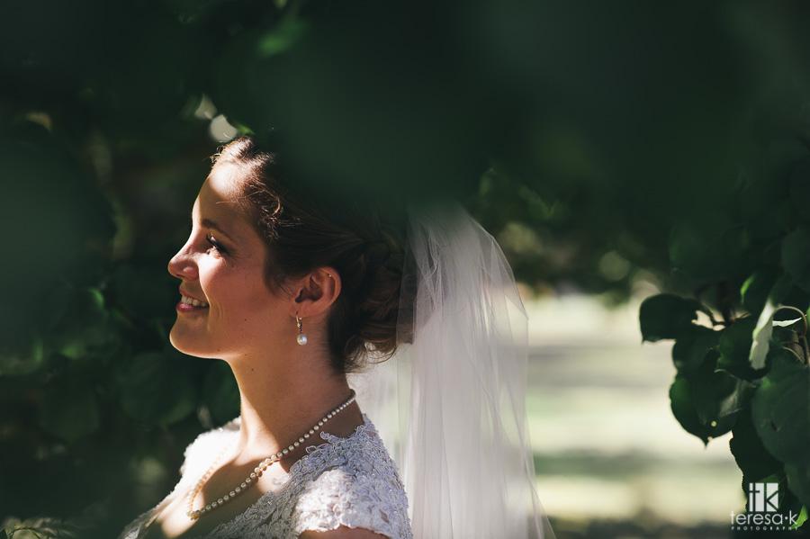 Catholic-Backyard-Wedding-19