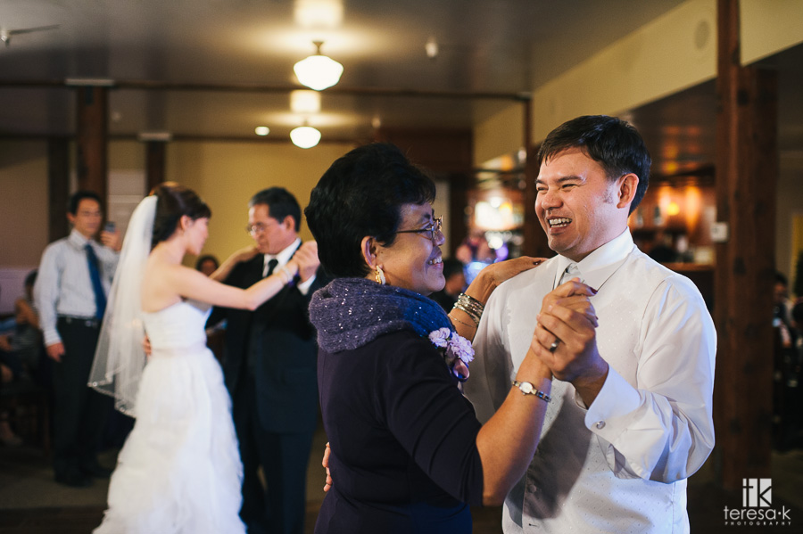 Courtyard-D'Oro-Old-Town-Sacramento-Wedding-14