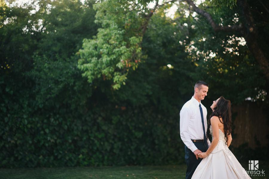 nighttime-backyard-wedding-21