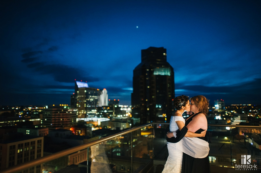 Sacramento Citizen Hotel Rooftop Elopement at Sunset 44