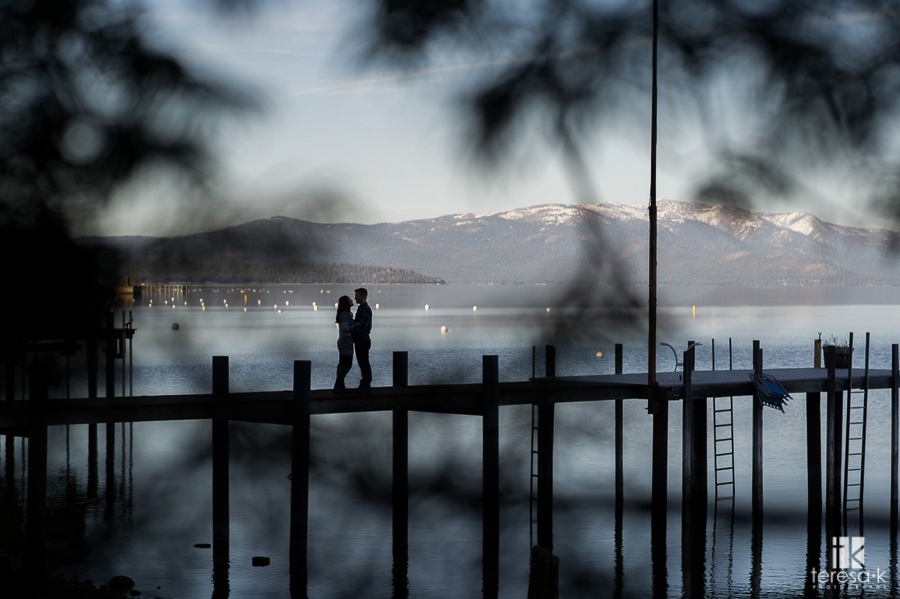 Winter-Lake-Tahoe-Engagement-Session-11