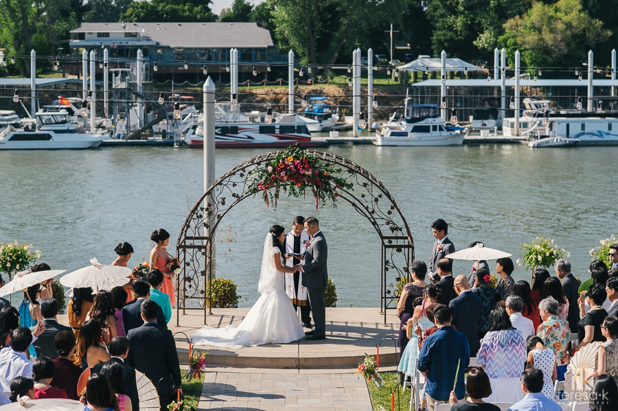 Wedding at Scott's Seafood on the River in the Westin 44